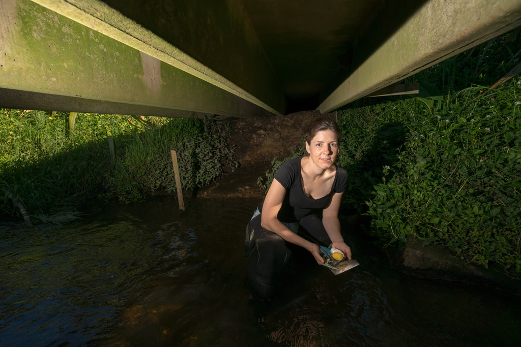 Scientist collects rubbish to rid rivers of plastics