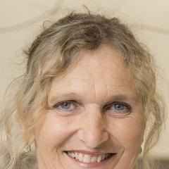 Dr Sarah Bury